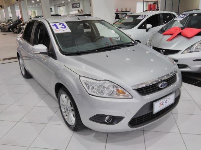 Focus Sedan GLX 2.0 - 2013 - Vários opcionais