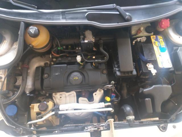 Peugeot 207 HB 1.4 8v 2011/2011 - Foto 4