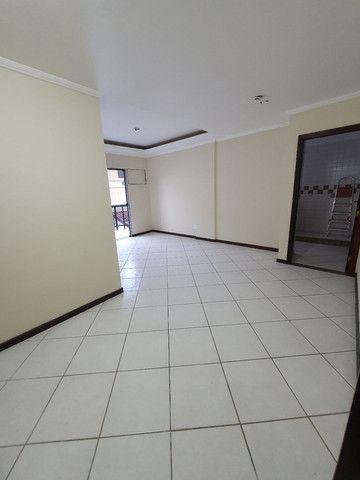 Alugo lindo e grande apartamento de 2 quartos, varanda, no parque das palmeiras - Foto 10