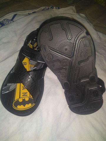Uma sandália masculina Nova - Foto 5