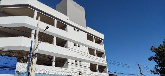 Aluga se apartamento de 2 quartos no Major Prates - Foto 6