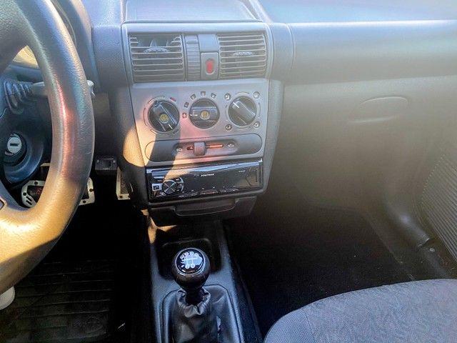 Vendo Corsa sedan 2004 completo c/ GNV - carro de mulher  - Foto 5