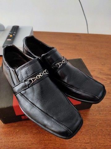 Sapato social infantil na caixa  - Foto 2