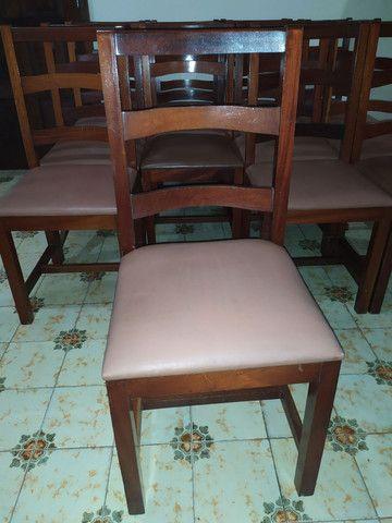 Cadeiras de madeira maciça imbuia e estofadas usadas. Preço unitário. - Foto 2