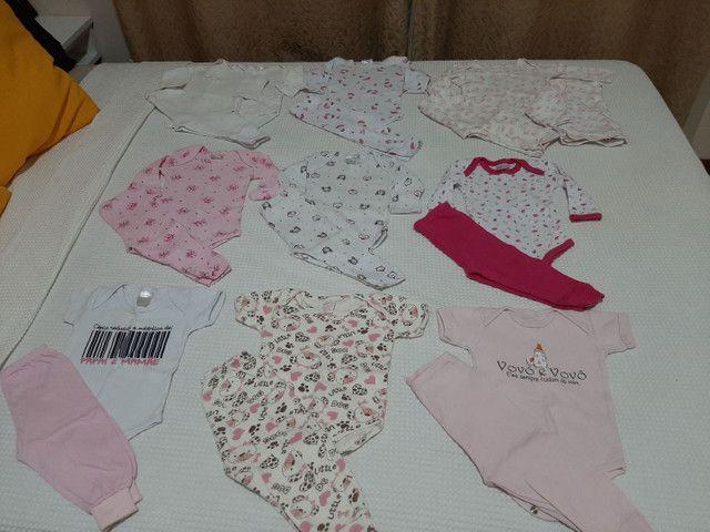 Vendo Combo de Roupinhas de bebê Menina (Semi Novas) - Foto 2