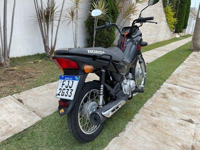 Honda POP 110i 2020 Estado de zero (800km) Aceito trocas parcelo cartão financio  - Foto 12