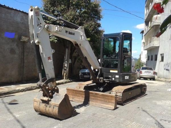 MINI ESCAVADEIRA BOBCAT E50 2012 SEMI-NOVA