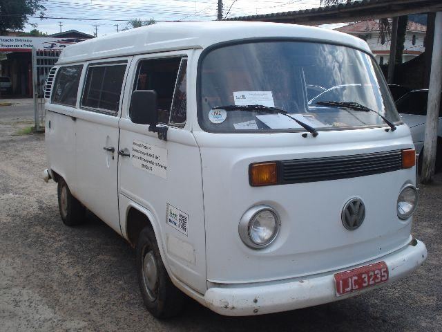 Barbadao ,kombi ano 1999 , 1,6 gasolina ,super inteira ,,,,,,,