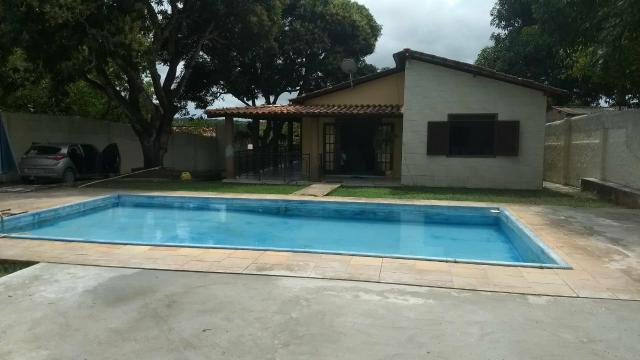 Oportunidade, Casa com 4/4, piscina, churrasqueira. próximo ao shop Busca Vida