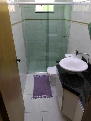 Linda casa, cond fechado, Vicente Pires, Rua 8, churrasq, piscina aquecida, 4qts, 4ban - Foto 5