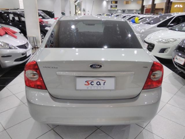 Focus Sedan GLX 2.0 - 2013 - Vários opcionais - Foto 6