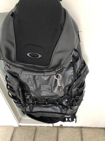 541e4ff1d Mochila masc mod kitchen oakley sink lx designer - nova -tenho a nota