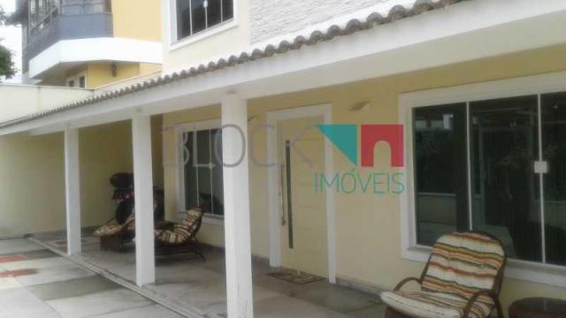 Casa de condomínio para alugar com 4 dormitórios cod:RCCN40275