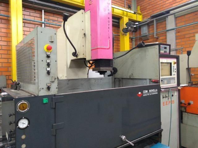 Eletroerosão de penetração CDM Rovella suporta peças grandes 2005 - Foto 3
