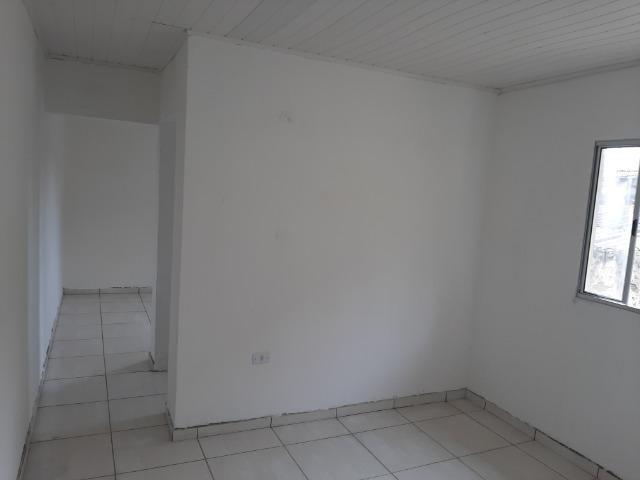 Aluga casa, quarto , sala , cozinha, banheiro e área de serviço - Foto 3