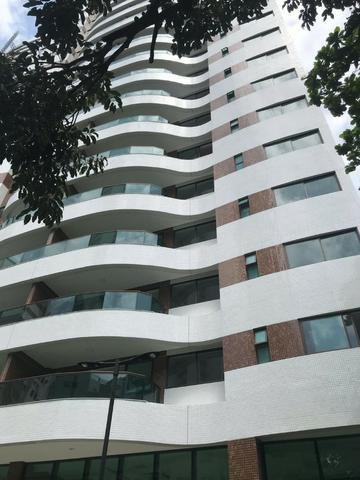Apartamento 04 quartos (suítes) em Boa Viagem