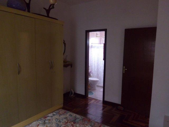 C485 -Casa com três dormitórios em excelente bairro - Foto 9
