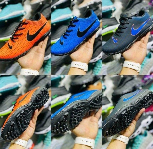 Tênis chinelos sandálias - Foto 2