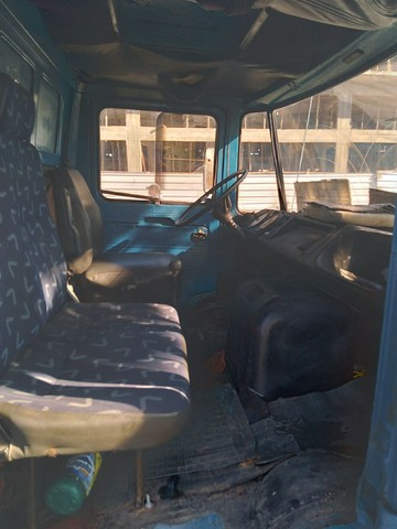 Vendo caminhão 608, ano 78 - Foto 18