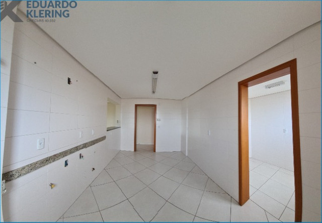 Apartamento com 2 dormitórios, 2 vagas, sacada com churrasqueira, Esteio-RS - Foto 12