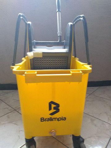 Balde - - Kit de Limpeza (balde e Espremedor) - Foto 2