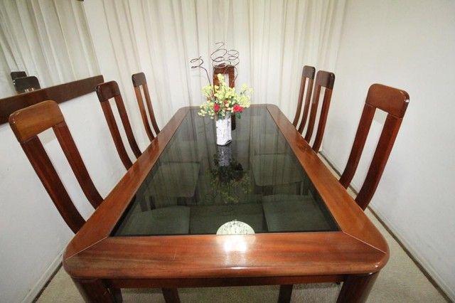 Mesa mogno 8 lugares com cadeiras + espelho - Foto 5