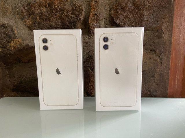 iPhone 11 128GB Branco (LACRADOS) - Foto 2