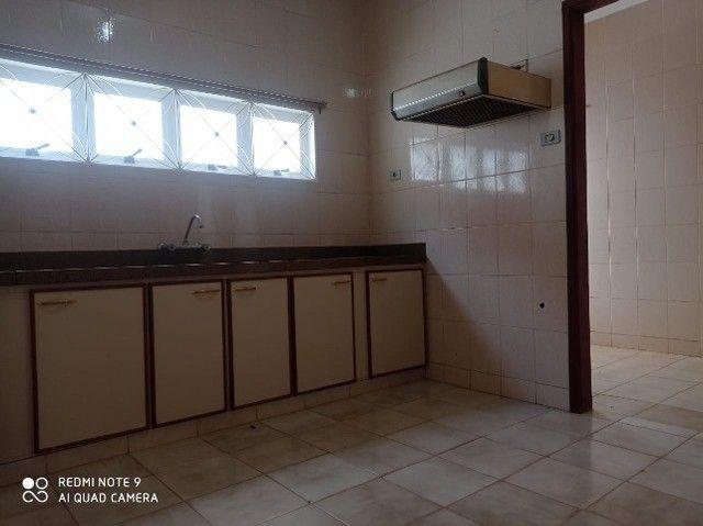 Linda Casa Tijuca com Varanda com 360 m² com Edícula**Venda** - Foto 7