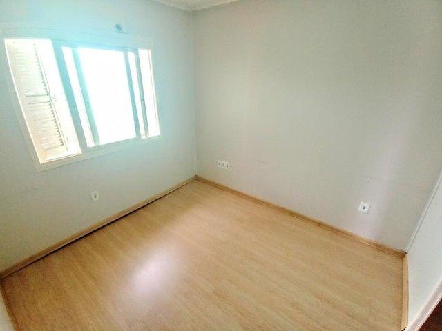 Casa de 3 dormitórios com pátio enorme na Vila Santo Angelo em Cachoeirinha/RS - Foto 8