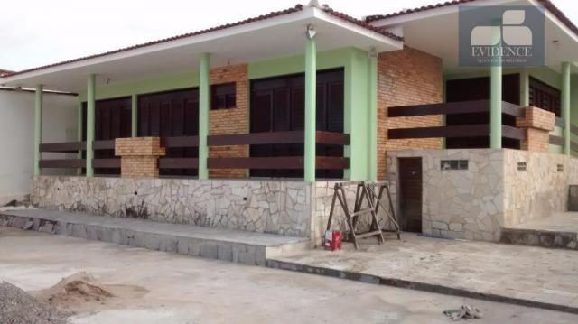 Casa  residencial com 03 suítes no 13 de Maio.