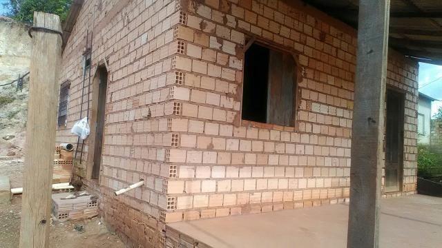 Vendo casa no bairro do Amparo 25.000mil