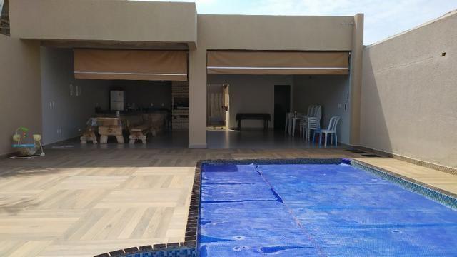 Linda casa, cond fechado, Vicente Pires, Rua 8, churrasq, piscina aquecida, 4qts, 4ban - Foto 15