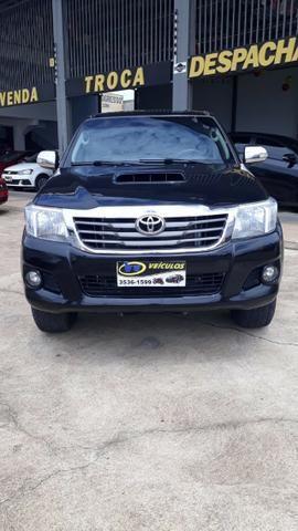 Toyota - Hilux SRV - 2012
