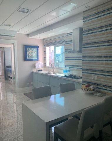 Apartamento espetacular frente mar, com 3 suítes, na Av. Atlântica, centro Bal. Camboriu - Foto 14