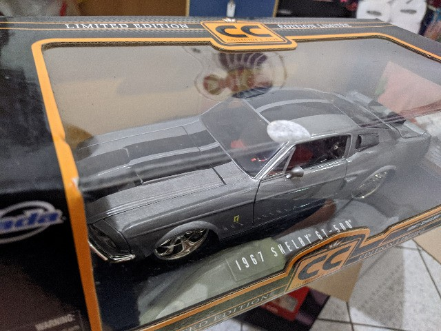 Miniatura Jada 1/18 - 1967 Shelby Gt-500 Limited Edition