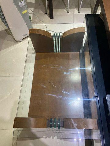 mesa de centro de madeira com vidro  - Foto 3