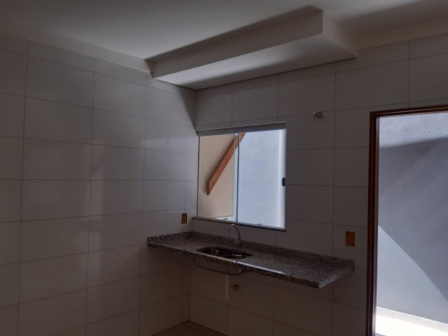 Linda Casa Nova Campo Grande com 3 Quartos No Asfalto**Venda** - Foto 5