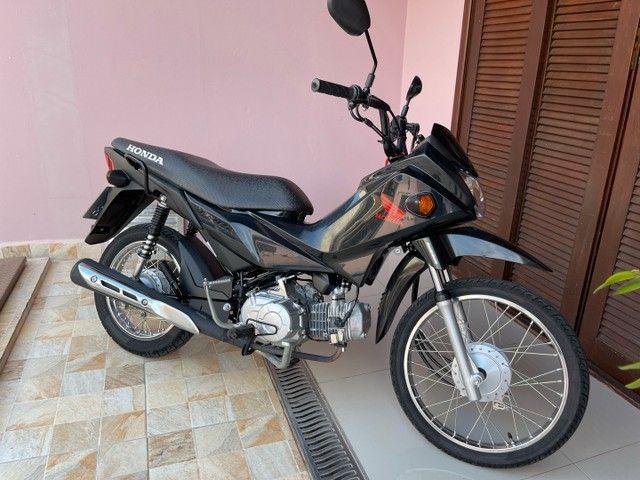 Honda POP 110i 2020 Estado de zero (800km) Aceito trocas parcelo cartão financio  - Foto 4