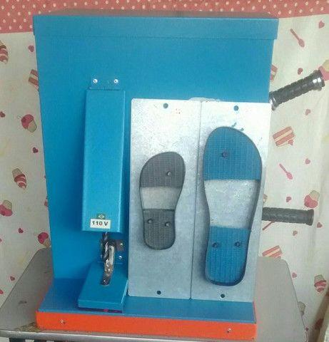 Maquina de cortar chinelo manual