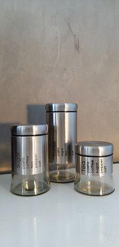 Conjunto com 3 Potes de Vidro com Aço Inox Escovado [Entrega GRÁTIS*] - Foto 3