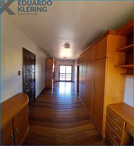 Casa com 4 dormitórios, 4 banheiros, 341,78m², pátio com piscina, Esteio-RS - Foto 18