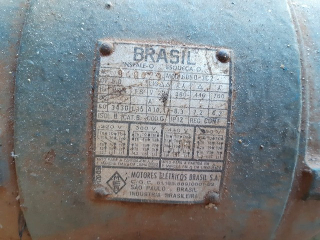 Bomba LENZ 704 trifásica