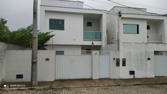Casa para venda possui 100 metros quadrados com 3 quartos em Conceição - Feira de Santana