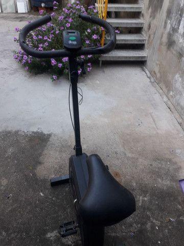 Troco bike aro 26 por 29 , tenho um celular j6 e uma bike de academia.  - Foto 3