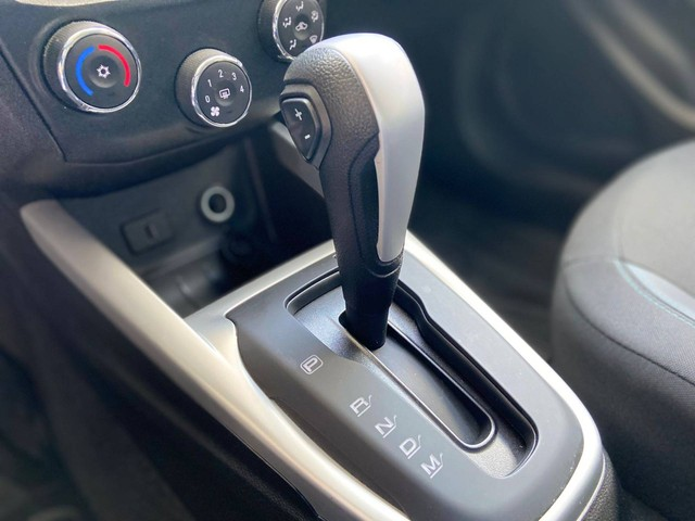 ONIX 2019/2019 1.4 MPFI ADVANTAGE 8V FLEX 4P AUTOMÁTICO - Foto 13