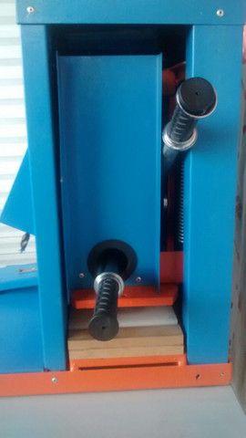 Maquina de cortar chinelo manual - Foto 3
