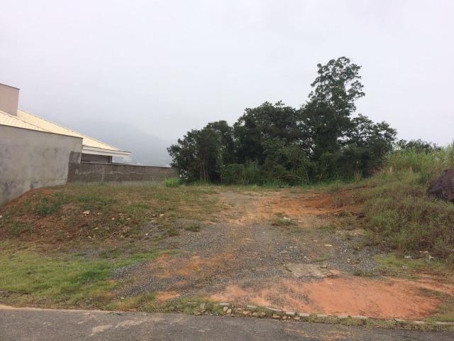 Terreno de 405 m2 em condomínio fechado em Jaraguá do Sul
