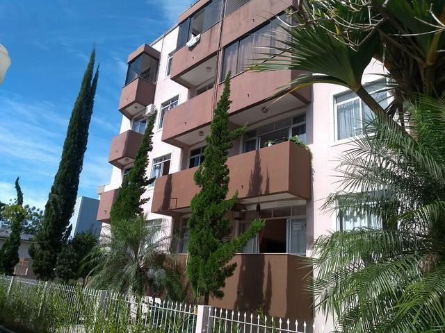 Apartamento mobiliado e decorado no centro de Santo Amaro da Imperatriz - Foto 2