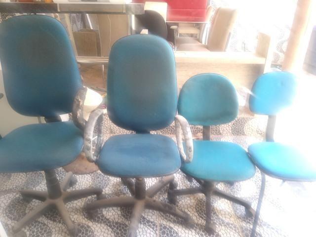 Vendo 4 cadeiras de escritório