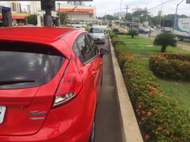 New Fiesta Hatch Impecável 2015 - Foto 13